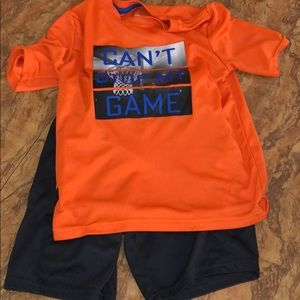 Little boys athletic outfit size 6/7